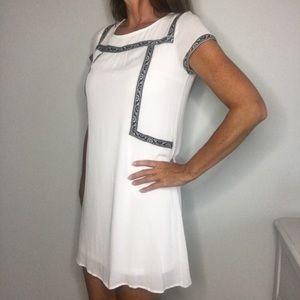 Doe & Rae NWT White W/ Navy Accent Dress - Sz M